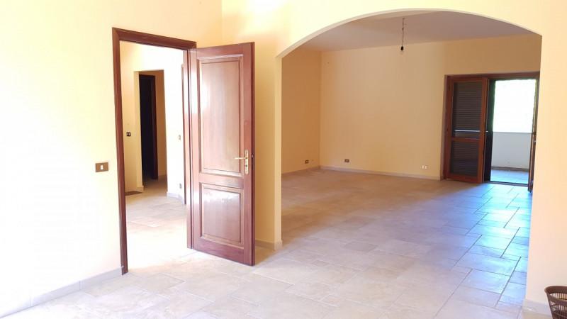 Villa in vendita a Reggio Calabria, 6 locali, zona Località: Catona, prezzo € 295.000 | CambioCasa.it