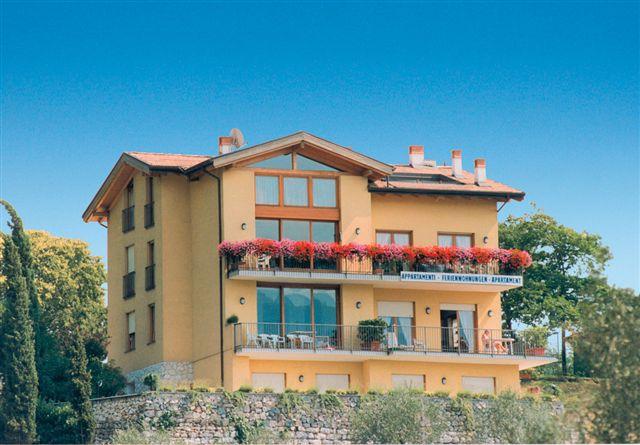 Appartamento in ottime condizioni arredato in vendita Rif. 4086442