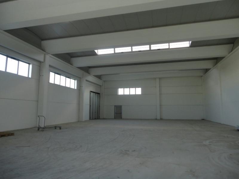 Magazzino - capannone in ottime condizioni in vendita Rif. 10862401