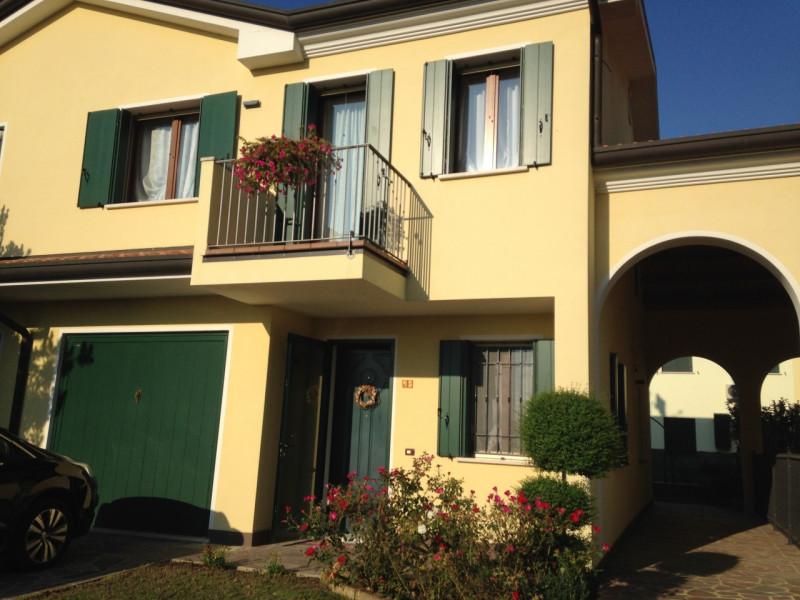 Appartamento in ottime condizioni in vendita Rif. 4087198