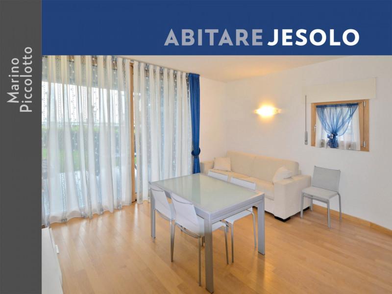Appartamento in ottime condizioni arredato in vendita Rif. 4087291