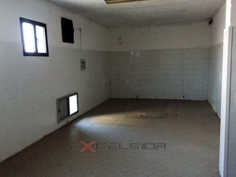 Negozio / Locale in affitto a Porto Viro, 9999 locali, zona Zona: Donada, Trattative riservate | CambioCasa.it