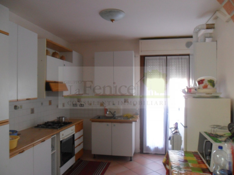 CASTEL GOFFREDO APPARTAMENTO QUADRILOCALE - https://media.gestionaleimmobiliare.it/foto/annunci/161105/1458828/800x800/sam_1689.jpg