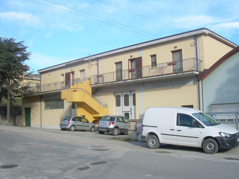 Appartamento in buone condizioni arredato in vendita Rif. 4089544