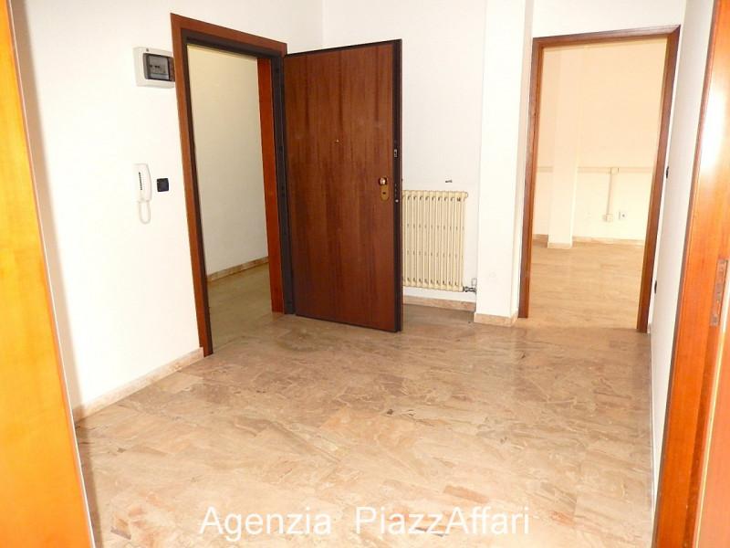 Ufficio in affitto Rif. 4090493