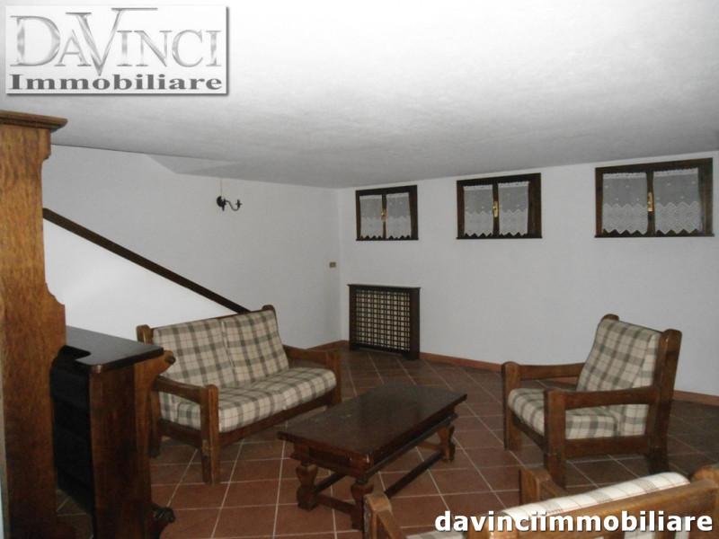Appartamento in ottime condizioni arredato in vendita Rif. 4090905