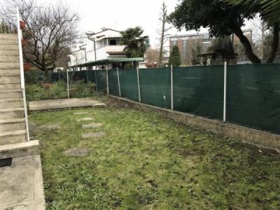 Zona Mandria in Trifamiliare con ing.indip. e giardino. SS100