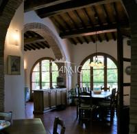 Casale, rustico in pietra ristrutturato con piscina in vendita a casciana terme, pisa
