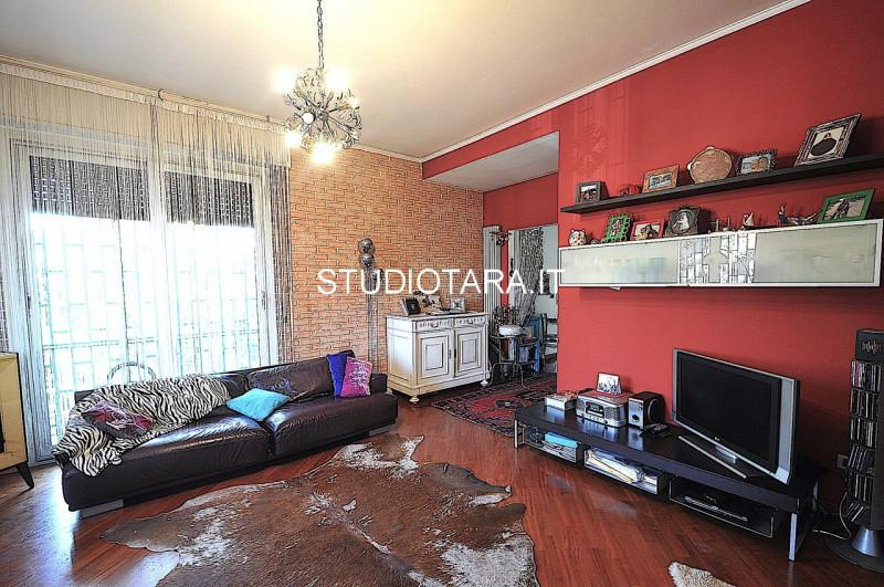 Villa in vendita a Assago, 6 locali, prezzo € 850.000   CambioCasa.it