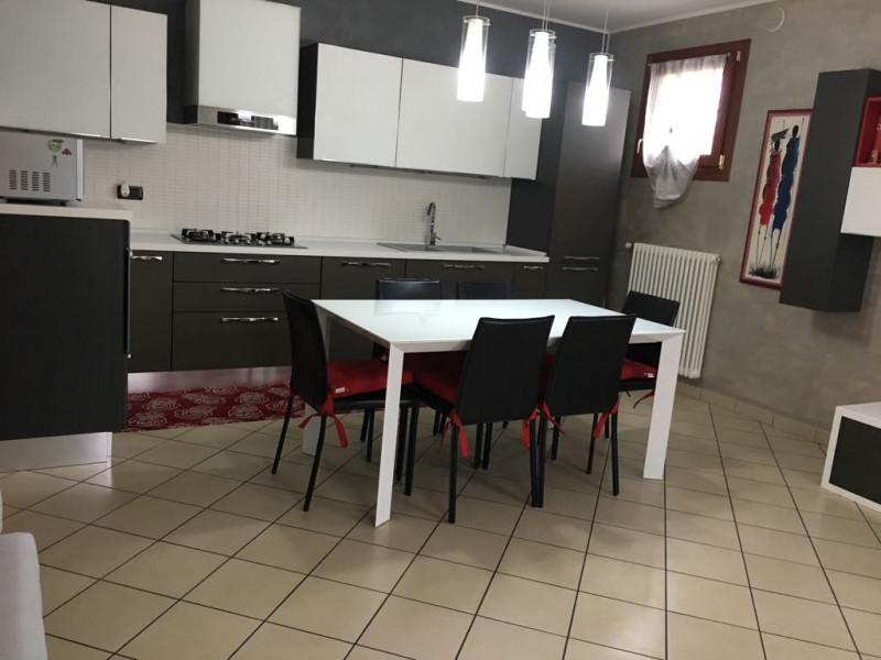 Appartamento in ottime condizioni arredato in vendita Rif. 4100497