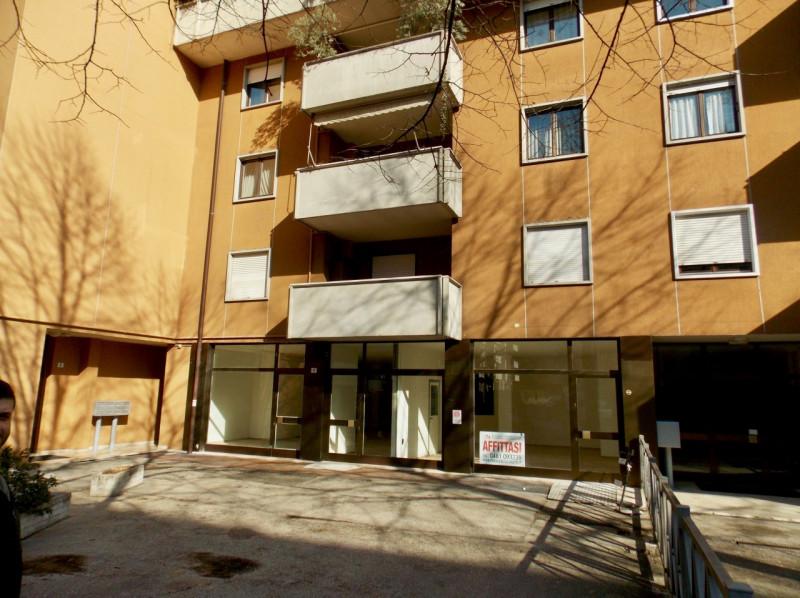 Negozio / Locale in Vendita a Trento