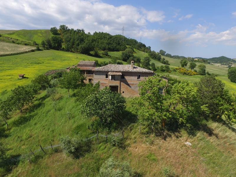Rustico / Casale da ristrutturare in vendita Rif. 4101769