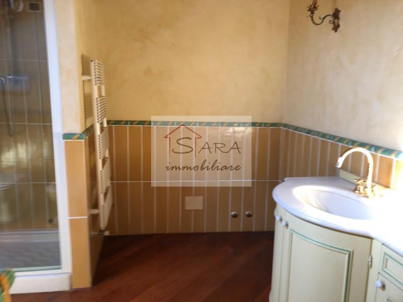 PADOVA - zona Santo: attico/mansarda con travi a vista - https://media.gestionaleimmobiliare.it/foto/annunci/170607/1581940/800x800/013__img_0013.jpg