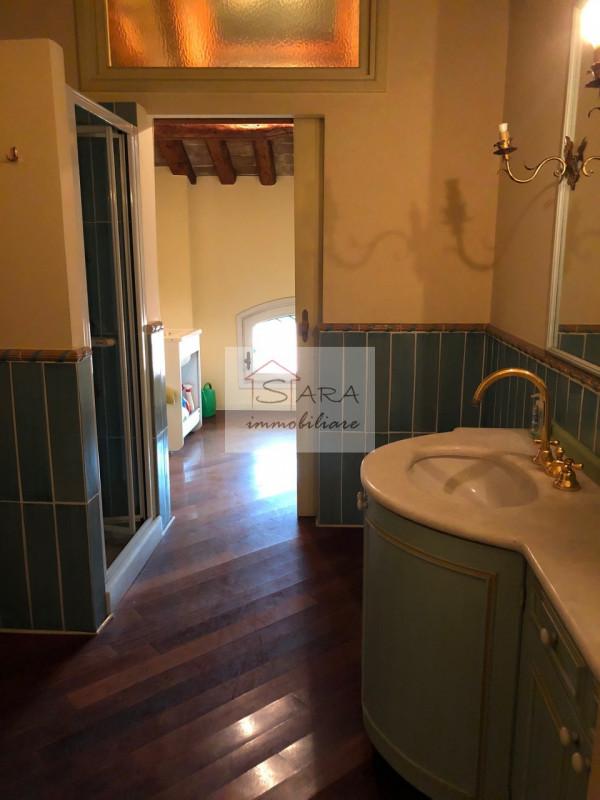 PADOVA - zona Santo: attico mansardato con travi a vista - https://media.gestionaleimmobiliare.it/foto/annunci/170607/1581940/800x800/015__img_0018.jpg