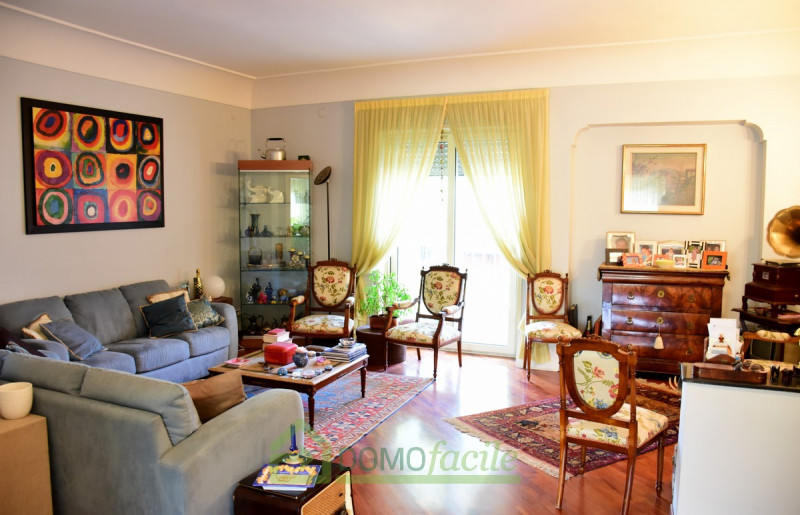 POSILLIPO APPARTAMENTO IN PARCO - https://media.gestionaleimmobiliare.it/foto/annunci/170618/1588650/800x800/002__posillipo_pentacameredsc_7280.jpg