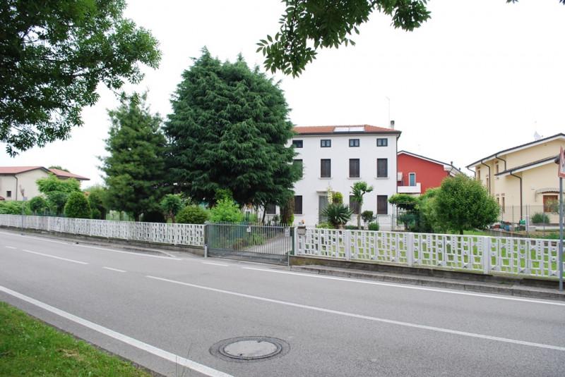 Villa in vendita a Rubano, 5 locali, zona Località: Villaguattera, prezzo € 215.000   CambioCasa.it