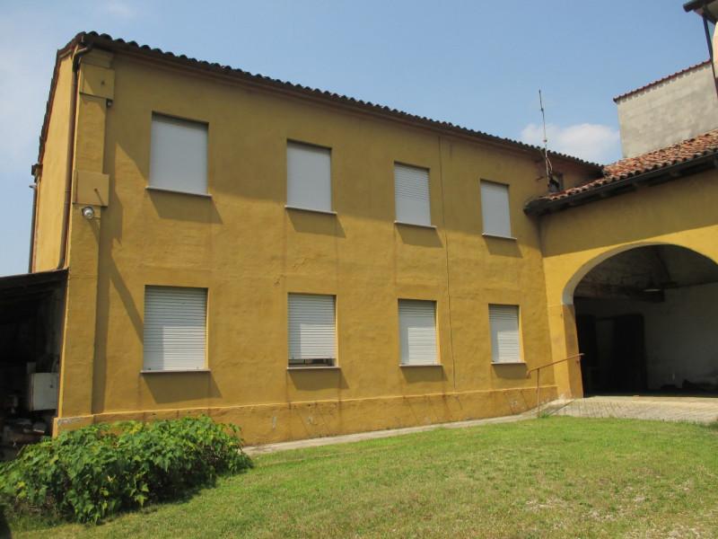 Rustico / Casale da ristrutturare in vendita Rif. 4106546