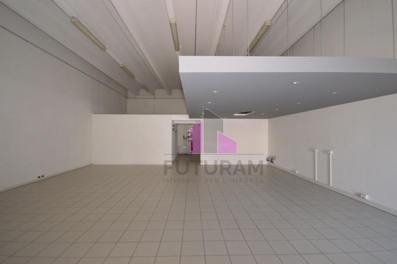 LABORATORIO VETRINATO Vicenza Ovest - A REDDITO - https://media.gestionaleimmobiliare.it/foto/annunci/170808/1618014/800x800/001__2_risultato.jpg