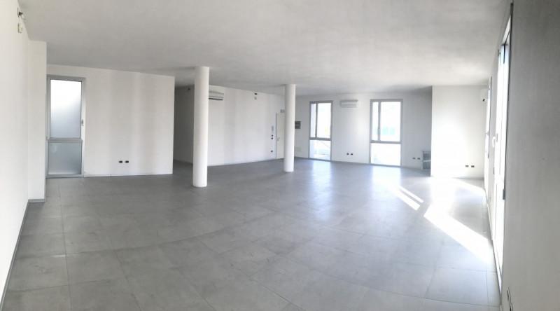 RECENTE UFFICIO AL PIANO RIALZATO___Bolzano Vicentino - https://media.gestionaleimmobiliare.it/foto/annunci/170817/1619070/800x800/000__img_9911.jpg