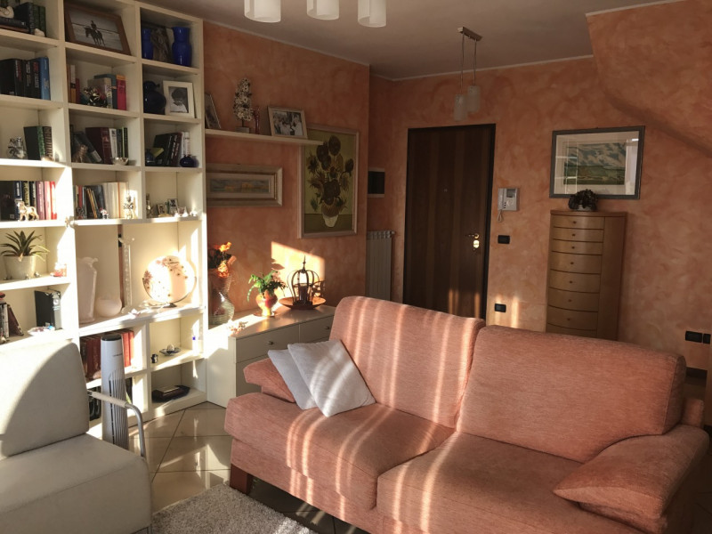 APPARTAMENTO DUPLEX IN CENTRO A VIGONZA - https://media.gestionaleimmobiliare.it/foto/annunci/170829/1620904/800x800/000__img_3258.jpg