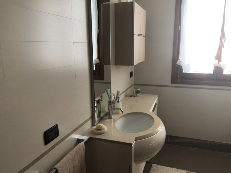 APPARTAMENTO DUPLEX IN CENTRO A VIGONZA - https://media.gestionaleimmobiliare.it/foto/annunci/170829/1620904/800x800/005__img_3262.jpg