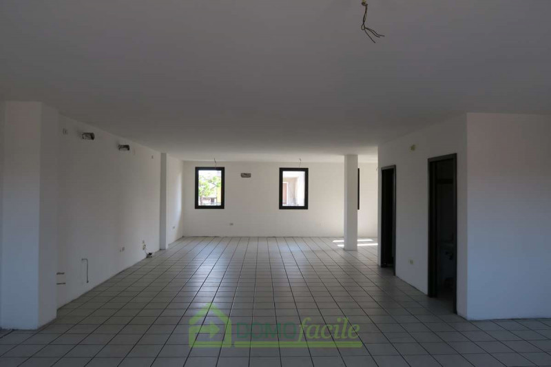 UFFICIO OPEN SPACE COSTABISSARA - https://media.gestionaleimmobiliare.it/foto/annunci/170907/1624058/800x800/000__.jpg