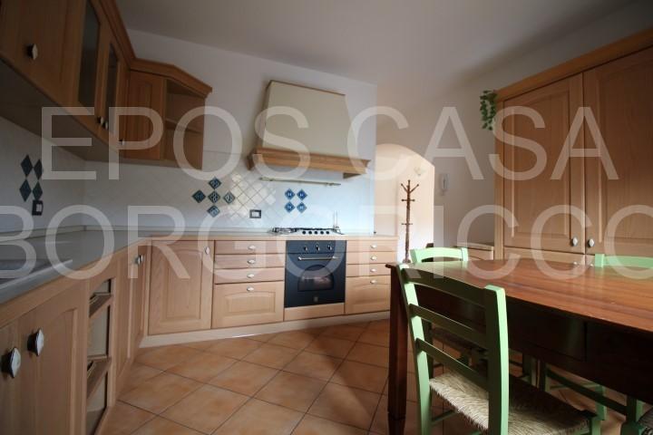 Duplex in buone condizioni arredato in vendita Rif. 9478881