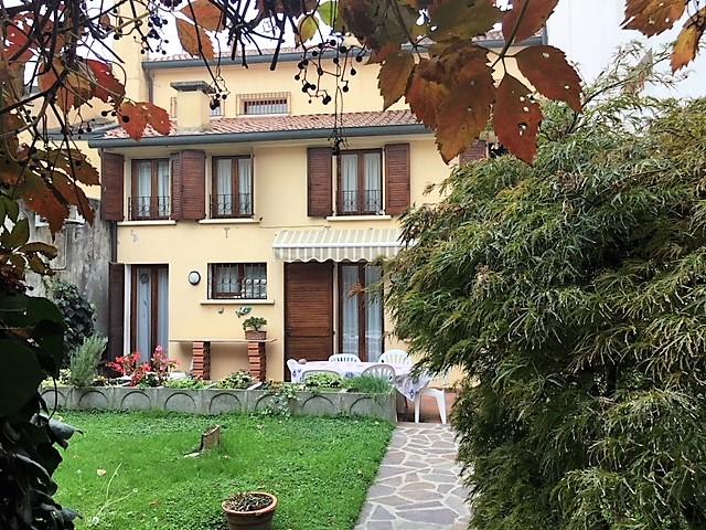 Villa in ottime condizioni in vendita Rif. 4112320