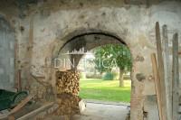 Porzione d'angolo di casale, rustico, giardino, san miniato,pisa