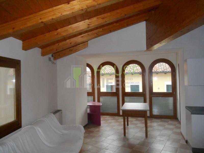 Case e appartamenti in affitto a valli del pasubio for Appartamento in affitto a schio arredato