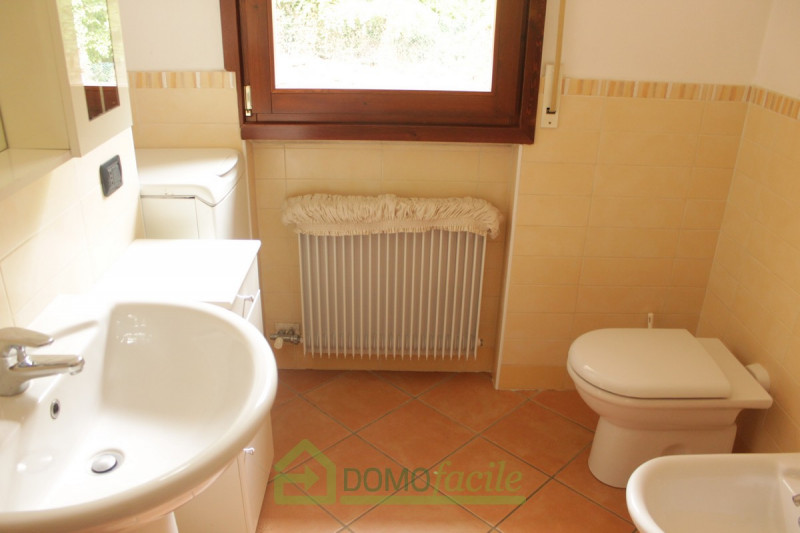 APPARTAMENTO DUPLEX - https://media.gestionaleimmobiliare.it/foto/annunci/171130/1703661/800x800/009__montebello_-_bicamere__02.jpg