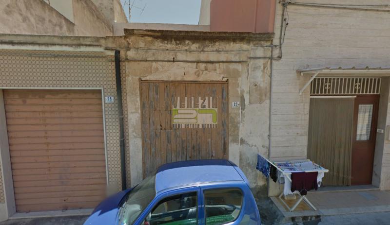 Box e posti auto in vendita Rif. 4119285