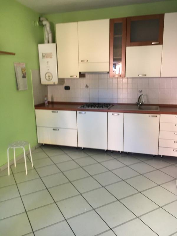 Appartamento in affitto a Rovellasca, 2 locali, prezzo € 450 | CambioCasa.it