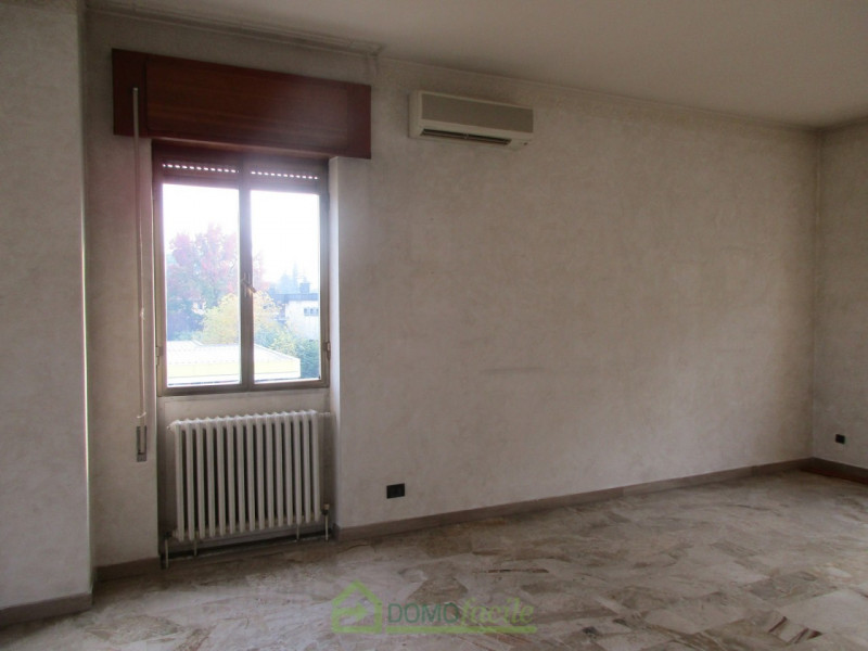 APPARTAMENTO QUADRICAMERE - https://media.gestionaleimmobiliare.it/foto/annunci/171215/1707769/800x800/007__Vicenza_ampio_quadricamere_008.jpg