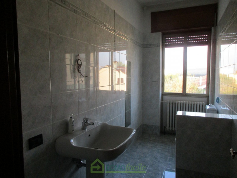 APPARTAMENTO QUADRICAMERE - https://media.gestionaleimmobiliare.it/foto/annunci/171215/1707769/800x800/013__Vicenza_ampio_quadricamere_014.jpg
