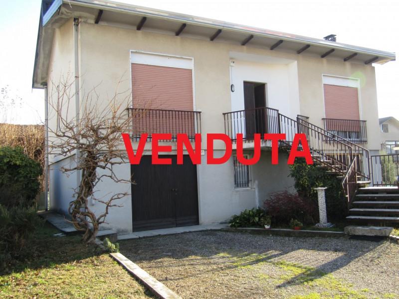 Villa in vendita a Solaro, 3 locali, zona Località: Solaro, Trattative riservate | CambioCasa.it