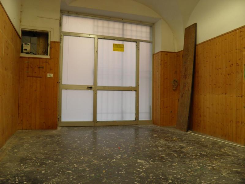 Negozio / Locale in affitto a Albissola Marina, 9999 locali, zona Località: Albissola Marina - Centro, prezzo € 650 | CambioCasa.it