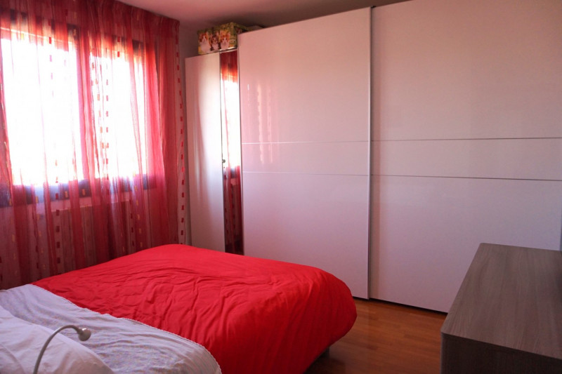 SPAZIOSO BICAMERE CON CUCINA SEPARATA - https://media.gestionaleimmobiliare.it/foto/annunci/180125/1718621/800x800/dsc07312.jpg