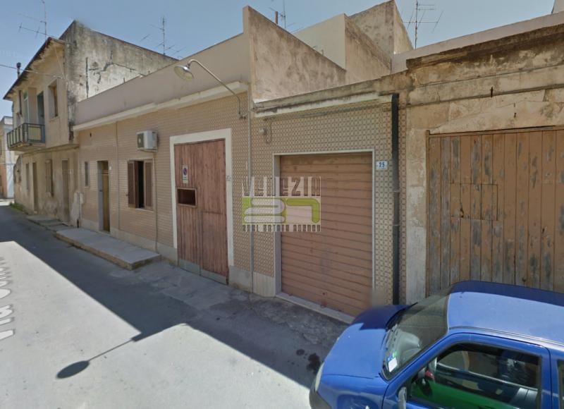 Box e posti auto in vendita Rif. 4125472