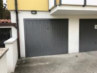 Appartamento ultimo piano con due camere e garage