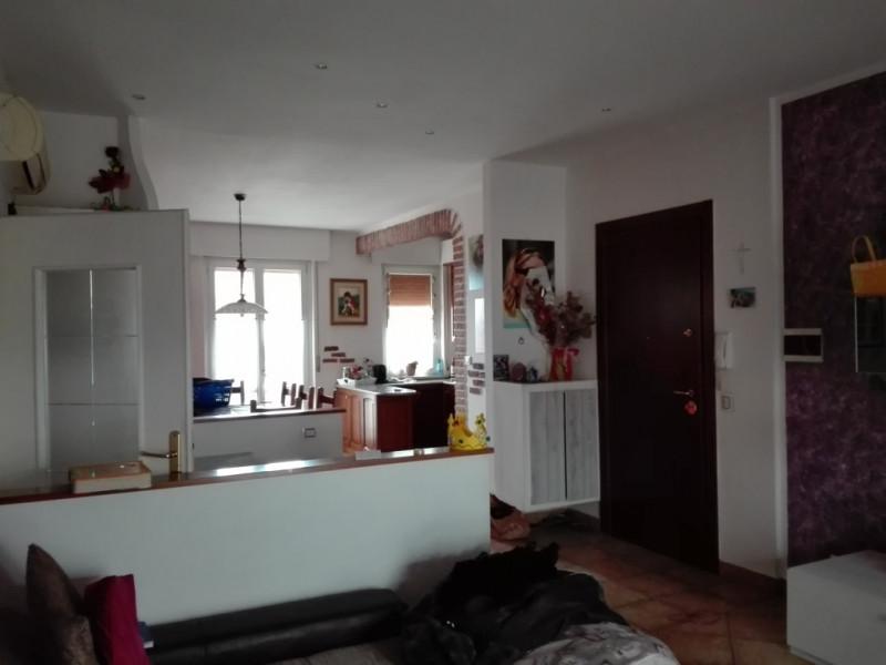 Appartamento in vendita a Castel d'Azzano, 3 locali, zona Zona: Beccacivetta, prezzo € 120.000   CambioCasa.it