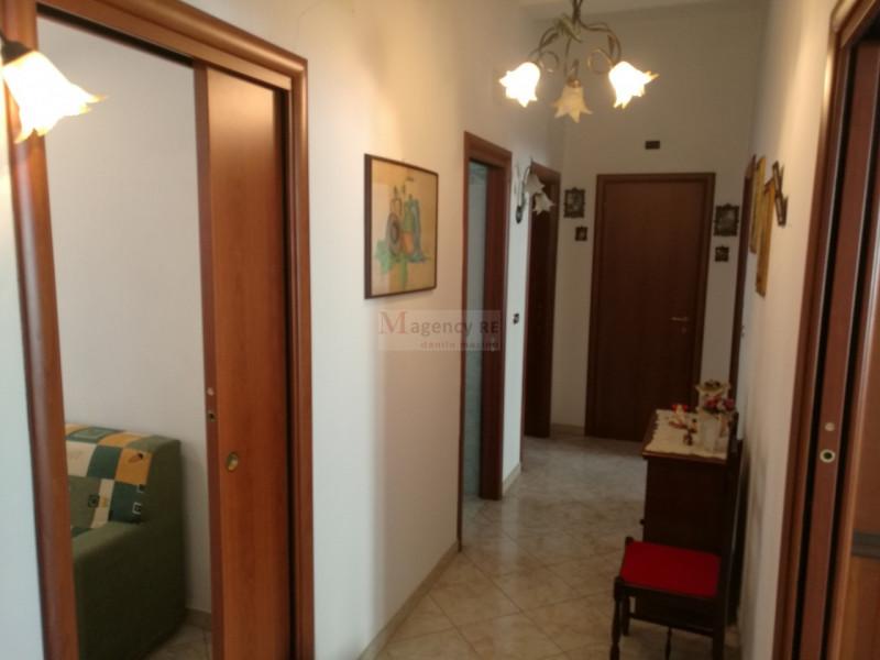 Appartamento in vendita a Reggio Calabria, 3 locali, zona Località: Via De Nava, prezzo € 125.000 | CambioCasa.it