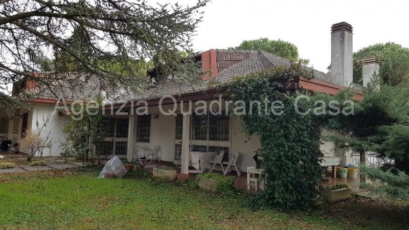 Appartamento in buone condizioni arredato in vendita Rif. 5899102