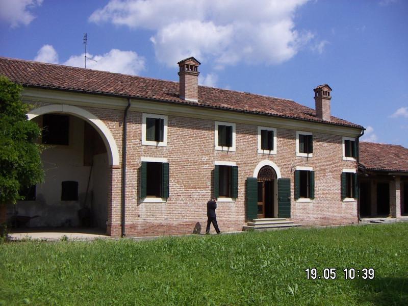 Rustico / Casale in buone condizioni in vendita Rif. 5640776