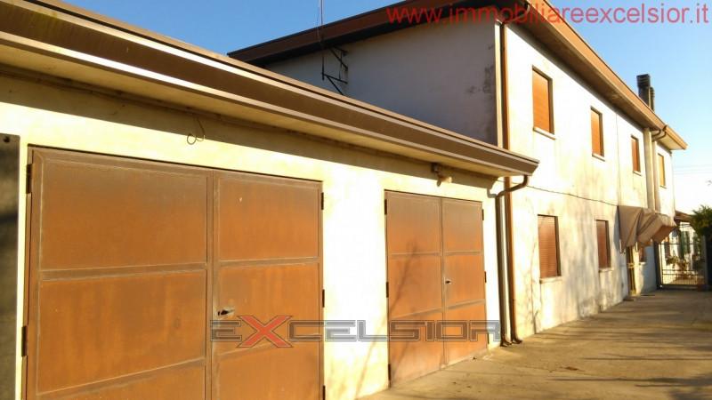 Appartamento in vendita Rif. 7942836