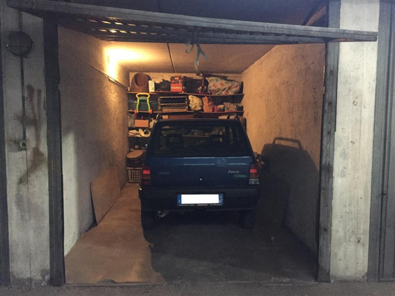 Zona Europa, garage al piano interrato
