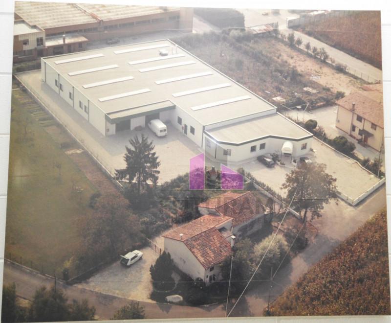 Capannone in vendita a Carmignano di Brenta, 3 locali, zona Località: Carmignano di Brenta, prezzo € 558.500 | CambioCasa.it