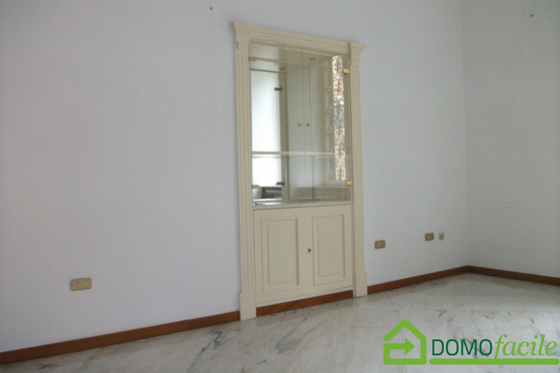 Mergellina quadrivani - https://media.gestionaleimmobiliare.it/foto/annunci/180329/1759415/800x800/008__dscf0054.jpg