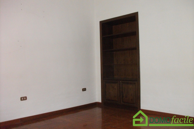 Mergellina quadrivani - https://media.gestionaleimmobiliare.it/foto/annunci/180329/1759415/800x800/010__dscf0056.jpg