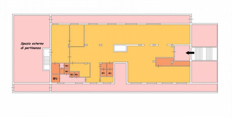 Attività commerciale in ottime condizioni in affitto Rif. 9301347